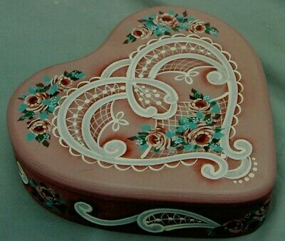 """Charles Johnson tole painting pattern """"Lace Victorian Heart Box"""""""
