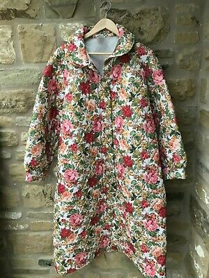 Ladies Vintage Floral Quilted Dressing Gown Housecoat Nightwear Size 16-18