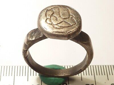 5498Ancient Roman silver ring with decoration 20 mm, weight 10 24gr