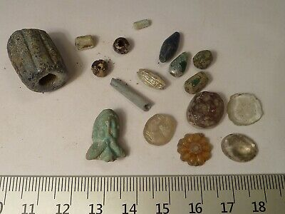 6051	Lot of 17 ancient Roman,Byzantine and Late Medieval beads and glasses