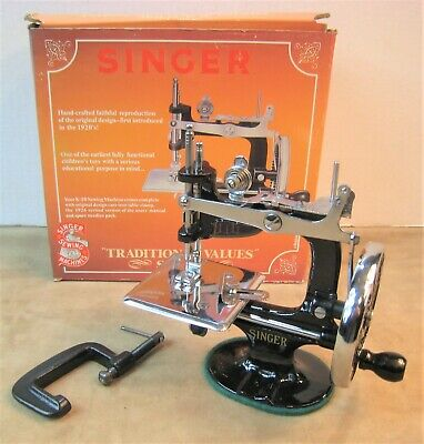 Excellent! 1920S Style Singer No.k-20 Cast Iron Heavy Duty Mini Sewing Machine