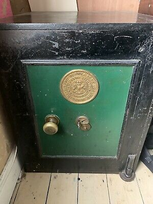Perry And Sons Victorian Fire Safe With 2 Keys