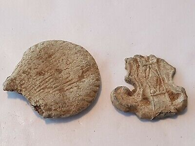 VR. Post Medieval lead pilgrims ampulla and badge. A must read description. L99w