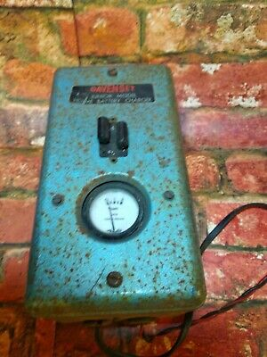 VINTAGE DAVENSET JUNIOR BATTERY CHARGER, FOR 6V & 12V  works great