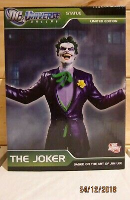 DC universe online statue THE JOKER by Jim Lee