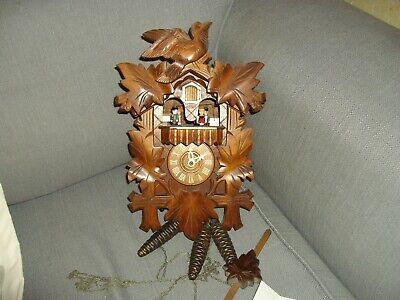 Wow Vintage Black Forest Cuckoo Clock Year 2000 With Cert Of Authenticity