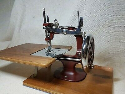 Vintage Miniature Sewing Machine The Essex Engineering Works