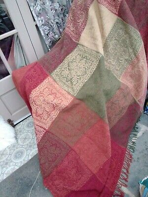 62 X 85 Amazing M And S Wool Mix Red Green Baroque Medieval Faux Patchwork Throw