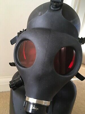Horror Halloween Black Silicone Gas Mask With Red Custom Lenses