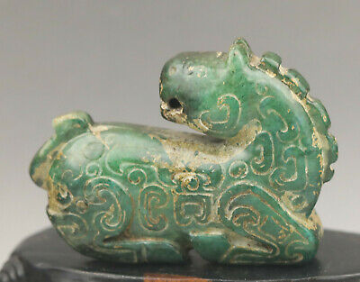 Old Chinese natural jade hand-carved dragon statue
