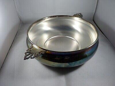 Sheffield Silver Co. Double Handle Silver Plate Bowl In Very Good Condition