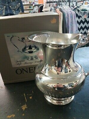 Oneida Georgian Style Beverage Pitcher Made in USA 2qt Silverplate Water Silver