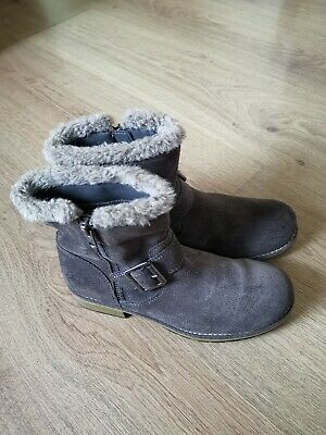 Clarks Girls Suede Boots Junior Size Uk 1 F