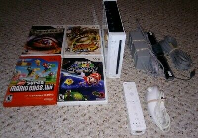 Nintendo Wii White System Lot w/ 4 Games Console Bundle Gamecube Compatible