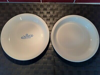 2 Pre-owned Corning Ware, White Oven & Microwaveable 9 ins Serving Dishes.