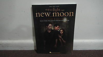 NEW MOON MUSIC BOOK, Piano Vocal Guitar Hal Leonard.