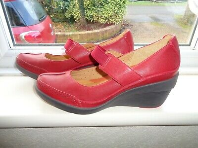 Clarks Real Leather Shoes Strap Over Instep Wedge Heels  Size 5.5.~Eu 38.5 Bnwot