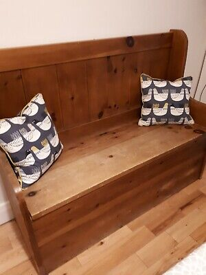 Settle/storage bench. Rustic Pine