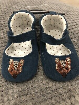 BNWT Marks And Spencer Baby Girls Pram Shoes 0-3 Months
