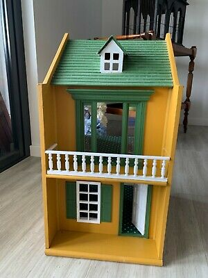Doll house dollhouse wooden