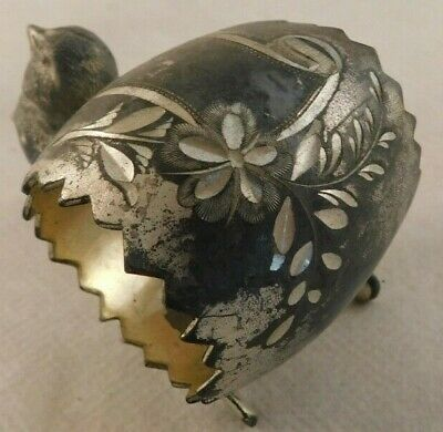 Vintage figural bird and wishbone with etched floral engraving place