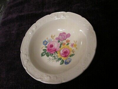 ANTIQUE HOMER LAUGHLIN CHINA - RAVENNA - SCALLOPED EMBOSSED FLORAL Fruit Bowl