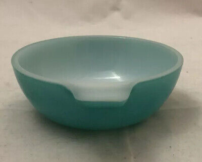 Vintage Pyrex Teal blue small bowl. Great retro colour