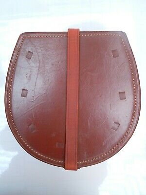 Vintage Leather Collar Case