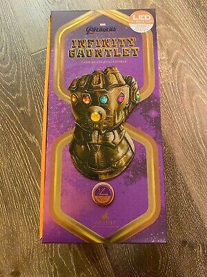 Sideshow 1:4 Scale Infinity Gauntlet / Collection Series / Avengers Movie Prop