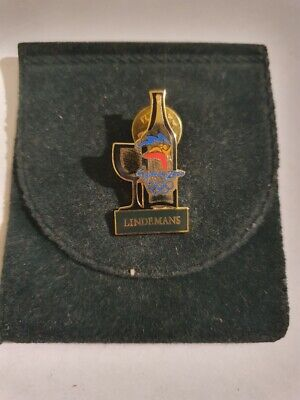 LINDEMANS - 2000 SYDNEY OLYMPIC GAMES BADGE in pouch