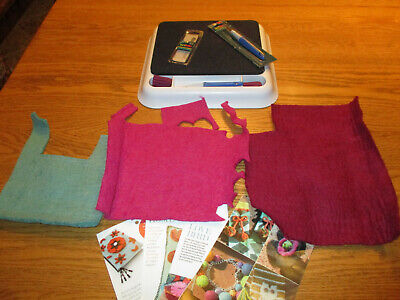 Dimensions Needle Felting Cushion Pad with 2 tools and replacement needles & 3 p