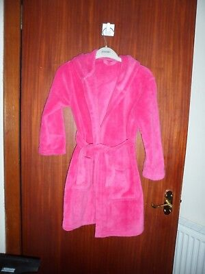girls deep pink dressing gown with hood age 7-8 years