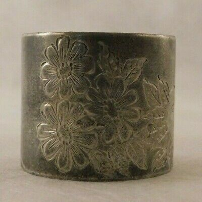 Vintage floral Silver plate napkin ring engraved with daises