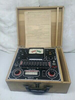 VINTAGE SUPERIOR INSTRUMENTS CO. TUBE TESTER ~ MODEL TV-11 - wood case tubes