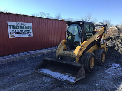 2015 Caterpillar 262D Skid Steer Loader w/ Cab  Only 1700 Hours!!