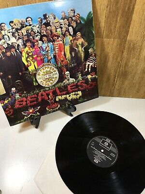 SGT Pepper's Lonely Heart's Club Band The Beatles Vinyl Record PCS 7027