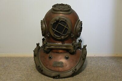 Reproduction 5/12-bolt Mark V Diving Helmet