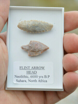 2 x ANCIENT STONE AGE FLINT ARROWHEADS, NEOLITHINC CHRISTMAS GIFT FREE P&P