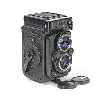 TLR Yashica Mat - 124 G with Yashinon Lens 3.5/80mm No.1076569