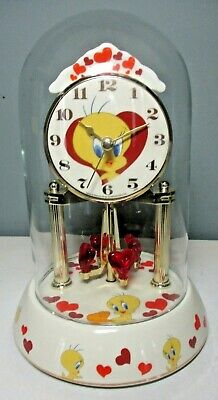 Looney Tunes TWEETY BIRD Porcelain ANNIVERSARY CLOCK with Glass Dome