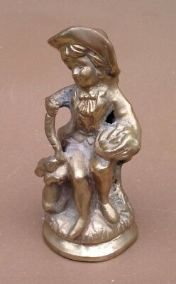 Personnage avec lapin en BRONZE people with rabbit déco collection