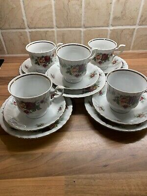 Chodziez Country Roses 5x Trio Cups Saucers Side Plates VGC - Free Postage