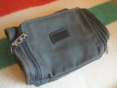TUMI Toiletry Bag TRAVEL 2 Compartment Hanging Zipper Khaki Black Leather Nylon