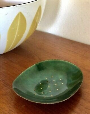 Vintage MCM small Emerald Green Enamel  Dish - hammered Copper ARTS & Crafts mcm