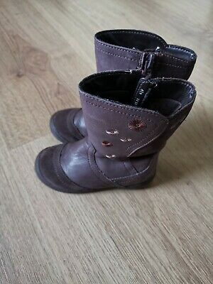 Clarks Baby Girls leather purple Boots SIZE UK 4.5 F