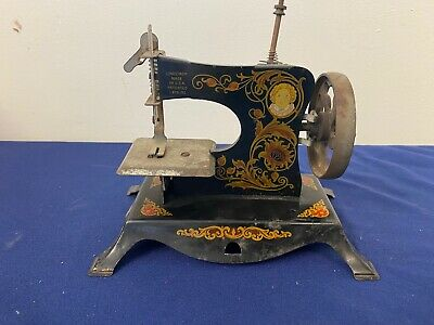 Antique Lindstrom Toy Sewing Machine A6