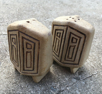 """2pc TRIBAL ART """"Beige Brown"""" High Quality Crafted Pottery Salt & Pepper Shakers"""