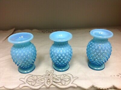 VINTAGE FENTON ART HOBNAIL BLUE OPALESCENT GLASS FLAT RIM VASE Set of 3