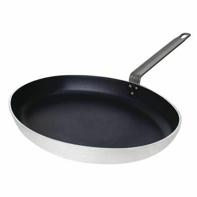 Vogue Oval Frying Pan Made of Aluminium - Non Stick Coating 400mm