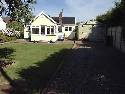 Rural retreat in North Norfolk to let-Sleeps 4-Pets Welcome-Beach Access-WiFi
